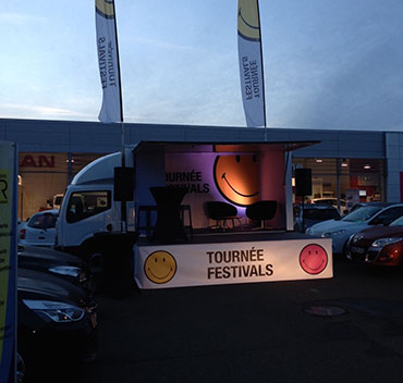 location camion podium tours